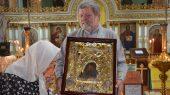 Крестный ход одиннадцати чудотворных икон . Икона Божией матери Касперовская в Демиевскм храме Киева
