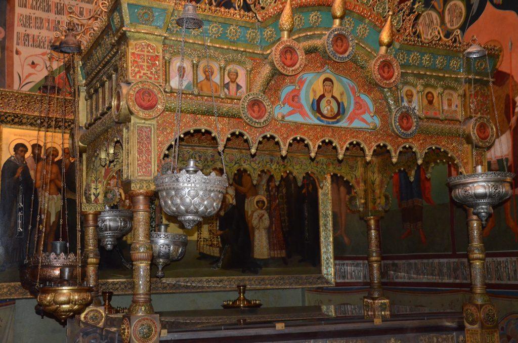 Святой блаженный Василий, Московский чудотворец Рака с мощами