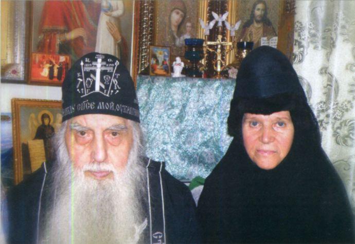 Памяти приснопамятного схиигумена Спиридона (Козинского) и новопреставленной монахини Серафимы