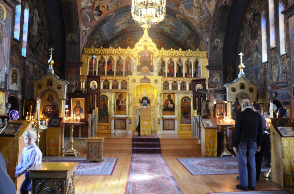 Божественная литургия в Свято-Троицком храме