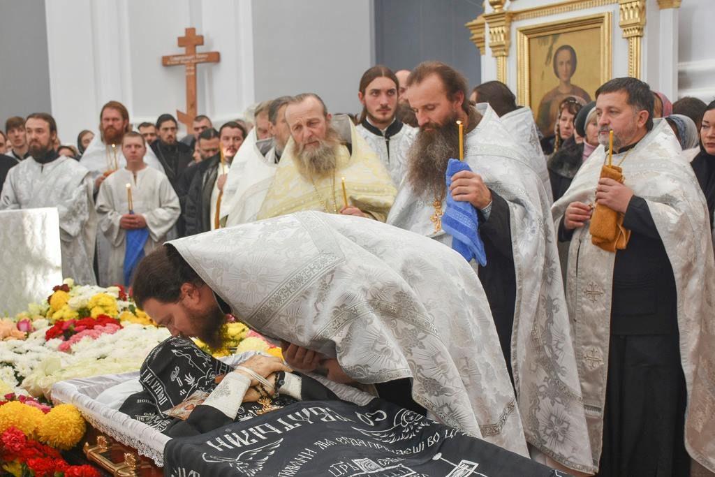 Погребение отца Кирилла