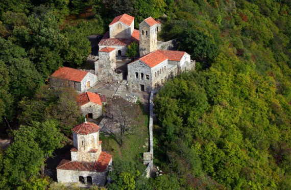 Дивный монастырь Некреси