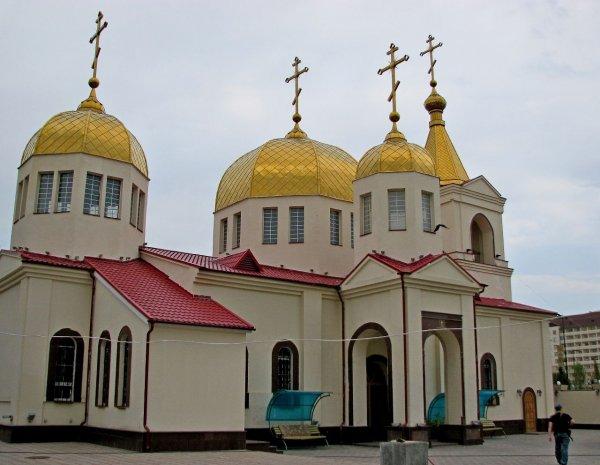 Нападение на храм св. Михаила Архангела в Грозном