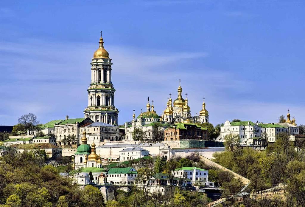 На Печерских холмах. 30-летию открытия Киево-Печерской лавры посвящается