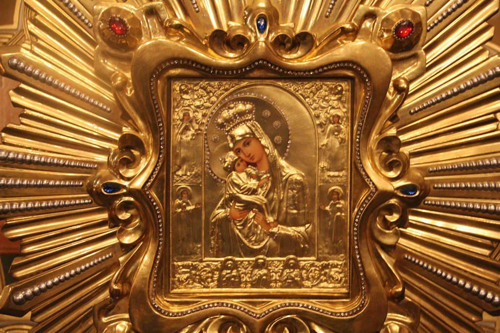 Празднику Почаевской Божией Матери посвящается