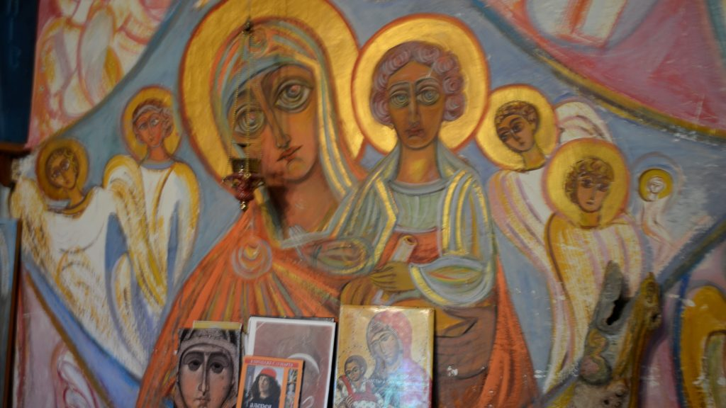 Ангельский мир Ларисы Лужанской