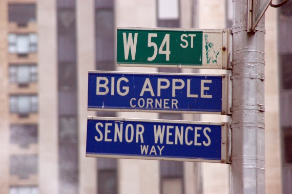 new york city the big apple The big apple was first popularized as a reference to new york city by john j fitz gerald in a number of new york morning telegraph articles in the 1920's in reference to new york horse-racing.