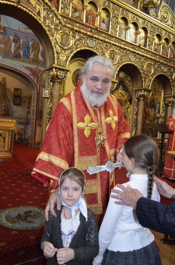 Архиепископ Гавриил в Свято-Троицкий соборе г. Торонто