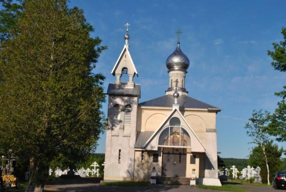 Успенский храм на монастырском кладбище